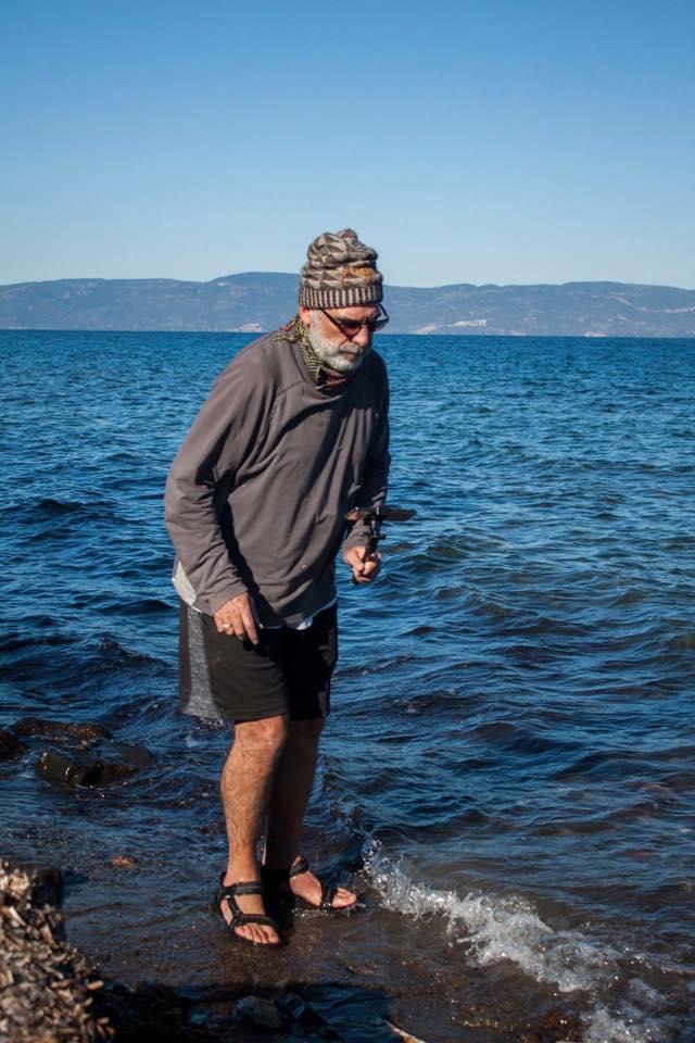 παππούς, θάλασσα, μετανάστες, πρόσφυγες