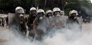 ΜΑΤ, Δακρυγόνα, Μακεδονικό, Ηλεκτρονικά Τσιγάρα